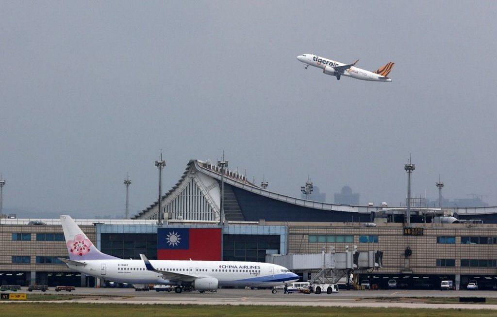 美國政府25日宣布,所有直飛赴美航班均須在起飛前實施新的安檢措施,不管是美籍和國...