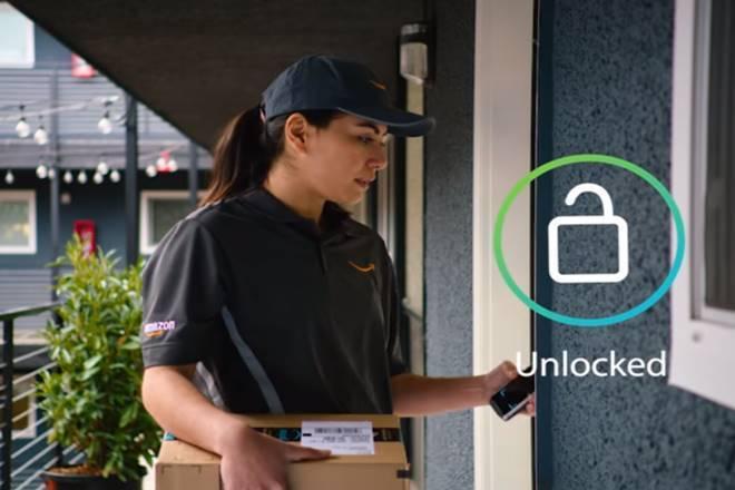 亞馬遜推出新的智能「亞馬遜鑰匙」送貨服務,送貨員可以手機進屋送貨。(亞馬遜網站)
