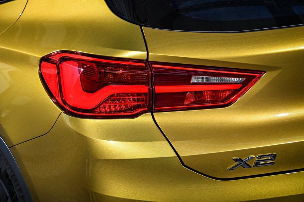 尾燈。 摘自BMW