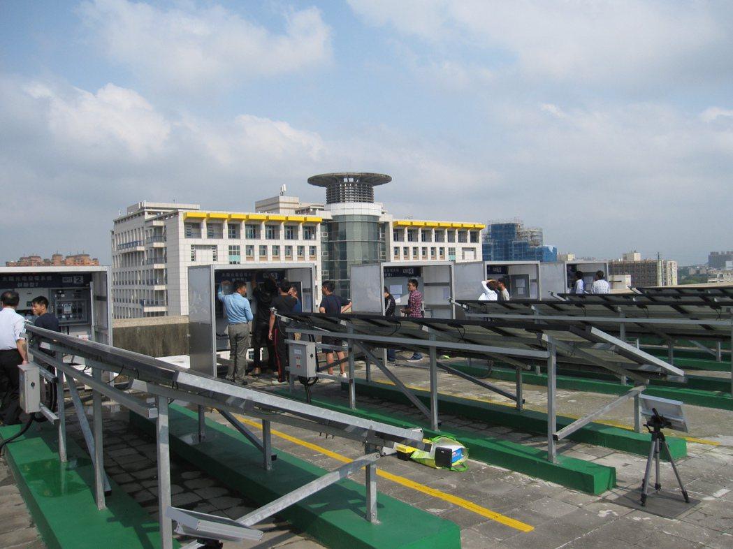 健行科大首創國內第一座太陽光電設置技術士乙級技能檢定場。 健行科大/提供。