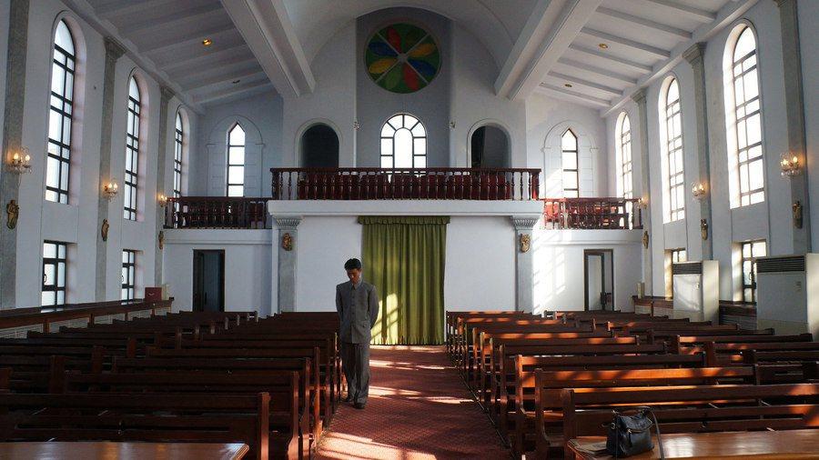 北韓雖然允許教會存在,但公開敬拜仍受到禁止。圖為平壤青春堂。(Photo by ...