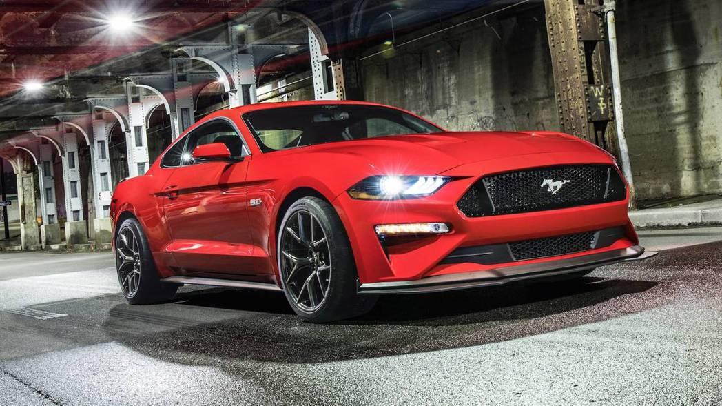 擁有一身獨特美式肌肉風格的Mustang GT,原廠推出二代強化套件,提升運動氣息。 圖片來源:FORD