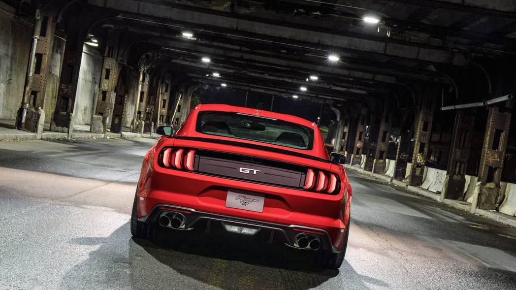 Performance Pack Level 2是專為手排版Mustang GT所打造。 圖片來源:FORD