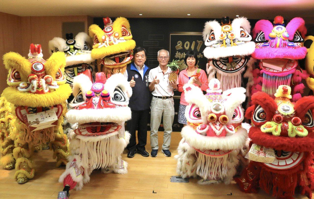 新北市文化局昨為泰山獅王節暖身,今年邁入第11年,有來自全國14組獅隊,將於11...