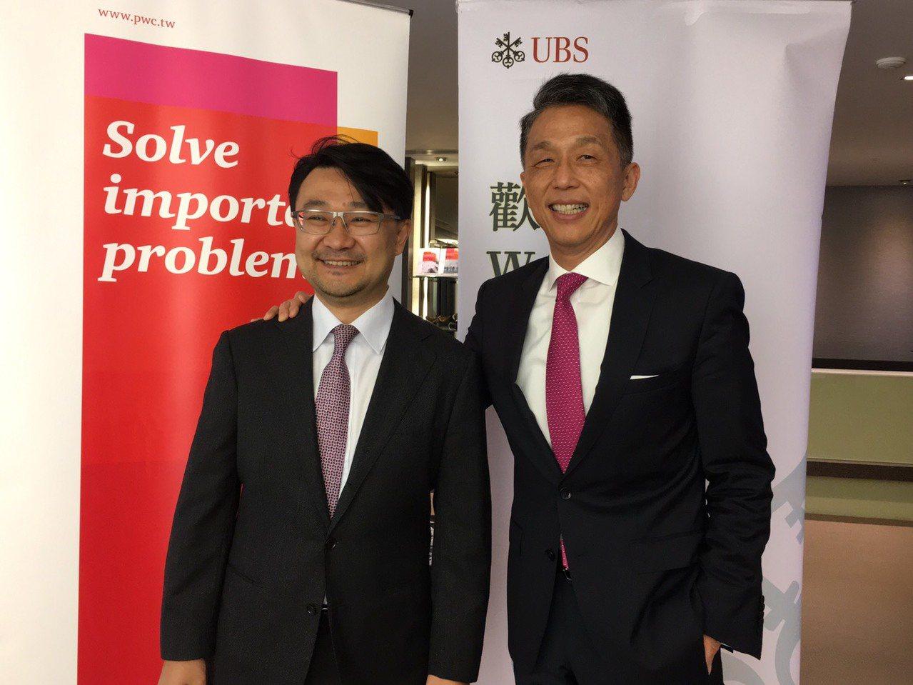 資誠金融產業服務營運長吳偉臺(左)及瑞銀台北分行總經理Dennis Chen(左...