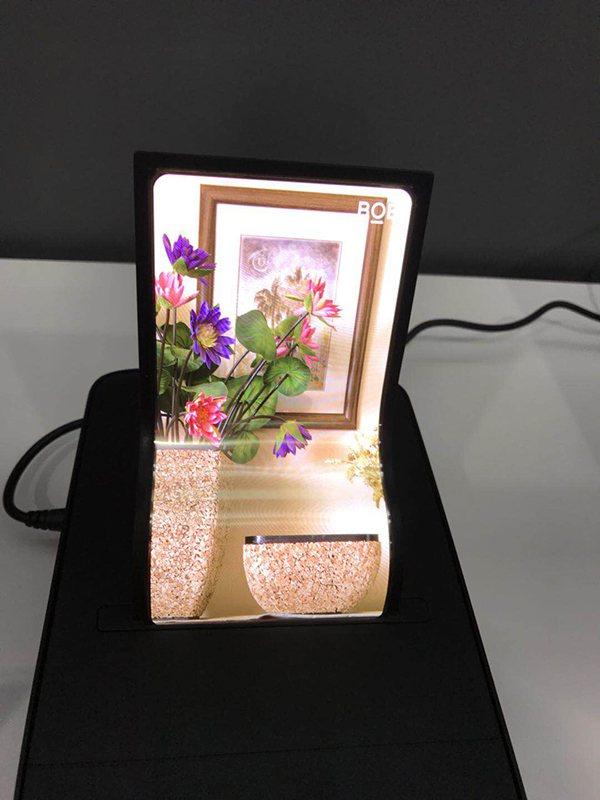 京東方(BOE)宣布首條第6代柔性AMOLED生產線量產,加入智慧手機全面屏競爭...
