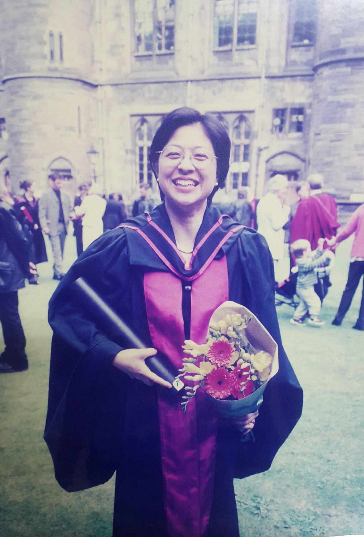 盧麗安出生高雄旗山,曾赴英留學取得博士學位。圖/家人提供