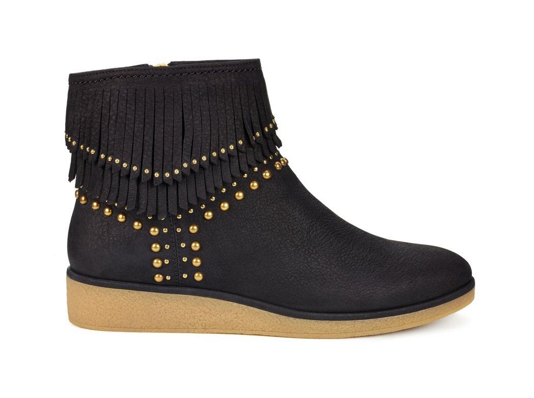 Ariane流蘇短靴,11,000元。圖/UGG提供