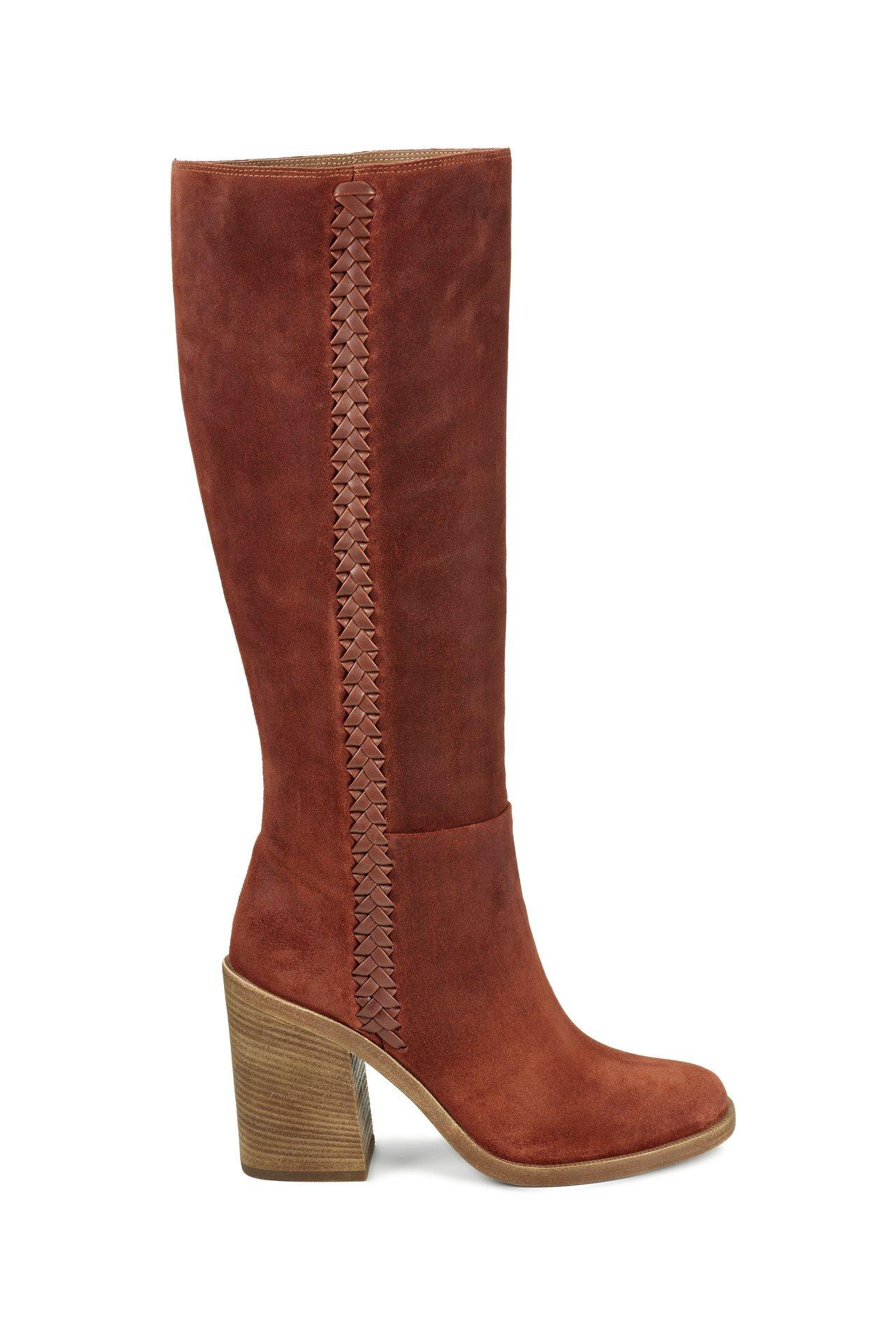 Maeva粗跟長靴,15,800元。圖/UGG提供