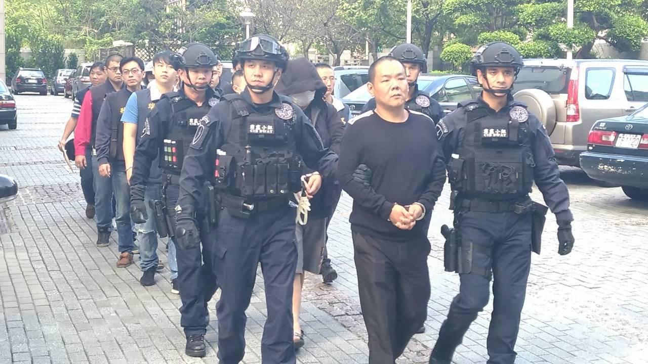刑事局掃蕩天道盟太陽會,拘提曾姓男子等8人。記者陳金松/翻攝