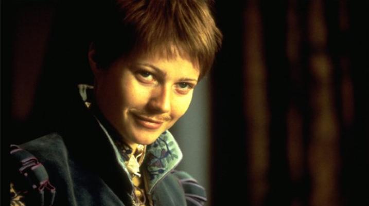 著名電影《莎翁情史》中,肯特一角由女性扮成,她夢想能成為一名演員,但受限於法令禁...