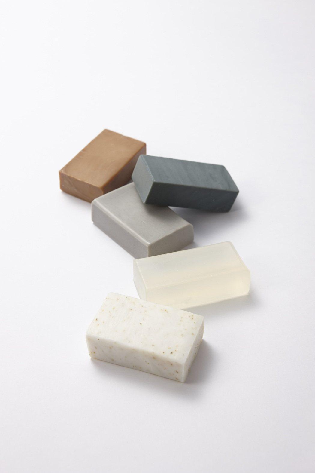 HANDSX松山油脂寵愛自己美皂5件組。圖/台隆手創館提供