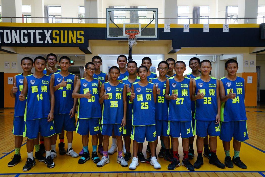 新竹縣員東國中男籃隊今年首度進入JHBL晉級16強。記者陳妍霖/攝影