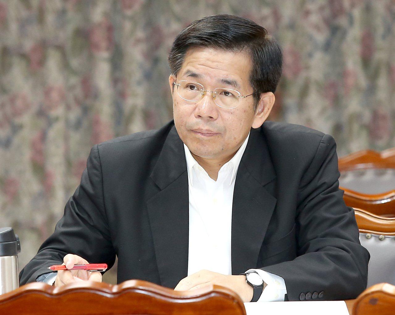教育部長潘文忠昨天在立法院表示,「留才與攬才同等重要」,玉山計畫也會向國際延攬人...
