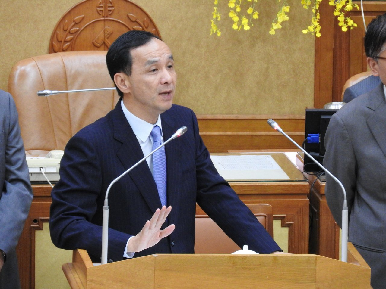 新北市長朱立倫表示,公務人員涉貪遭起訴比例,經統計全國平均約為0.18%,新北市...