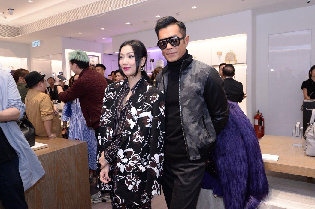 古天樂和鄭秀文「型在一起」出席MK香港圓方店開幕。圖/MICHAEL KORS提