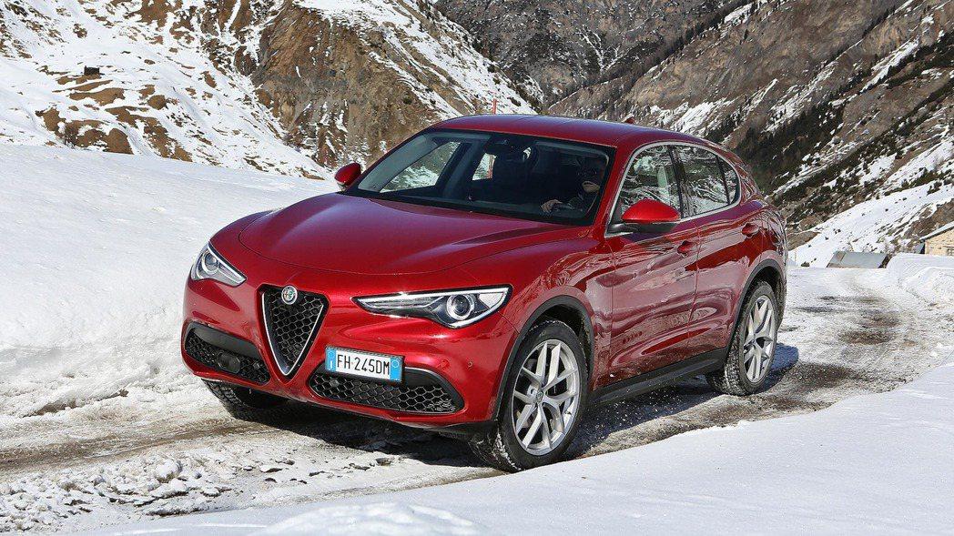 Alfa Romeo Stelvio,同時也是Alfa Romeo的首部SUV。...