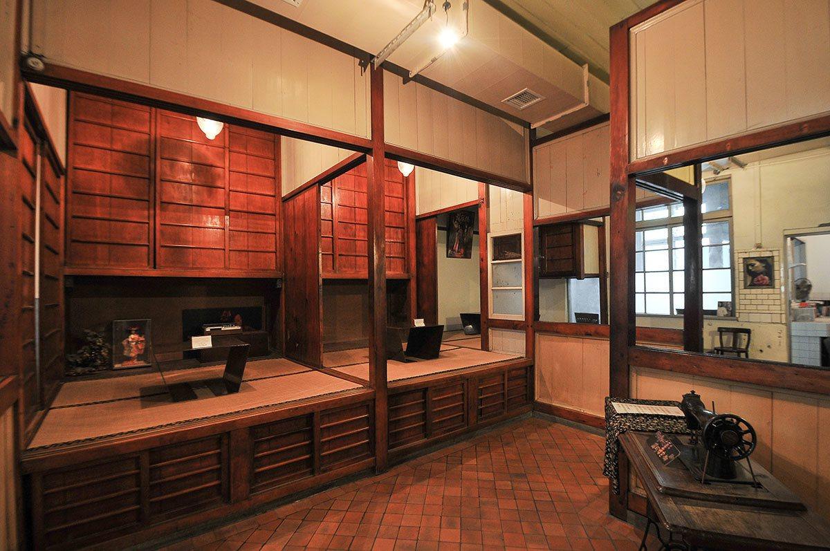 二樓臥榻就是陳家住家的房間。