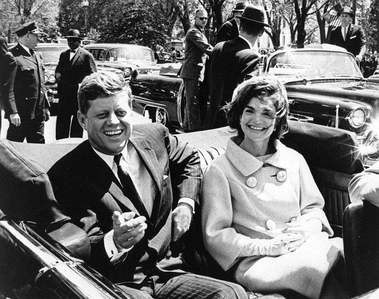 美國國家檔案局公布1963年11月22日甘迺迪總統遇刺事件有關的2891份未經刪...