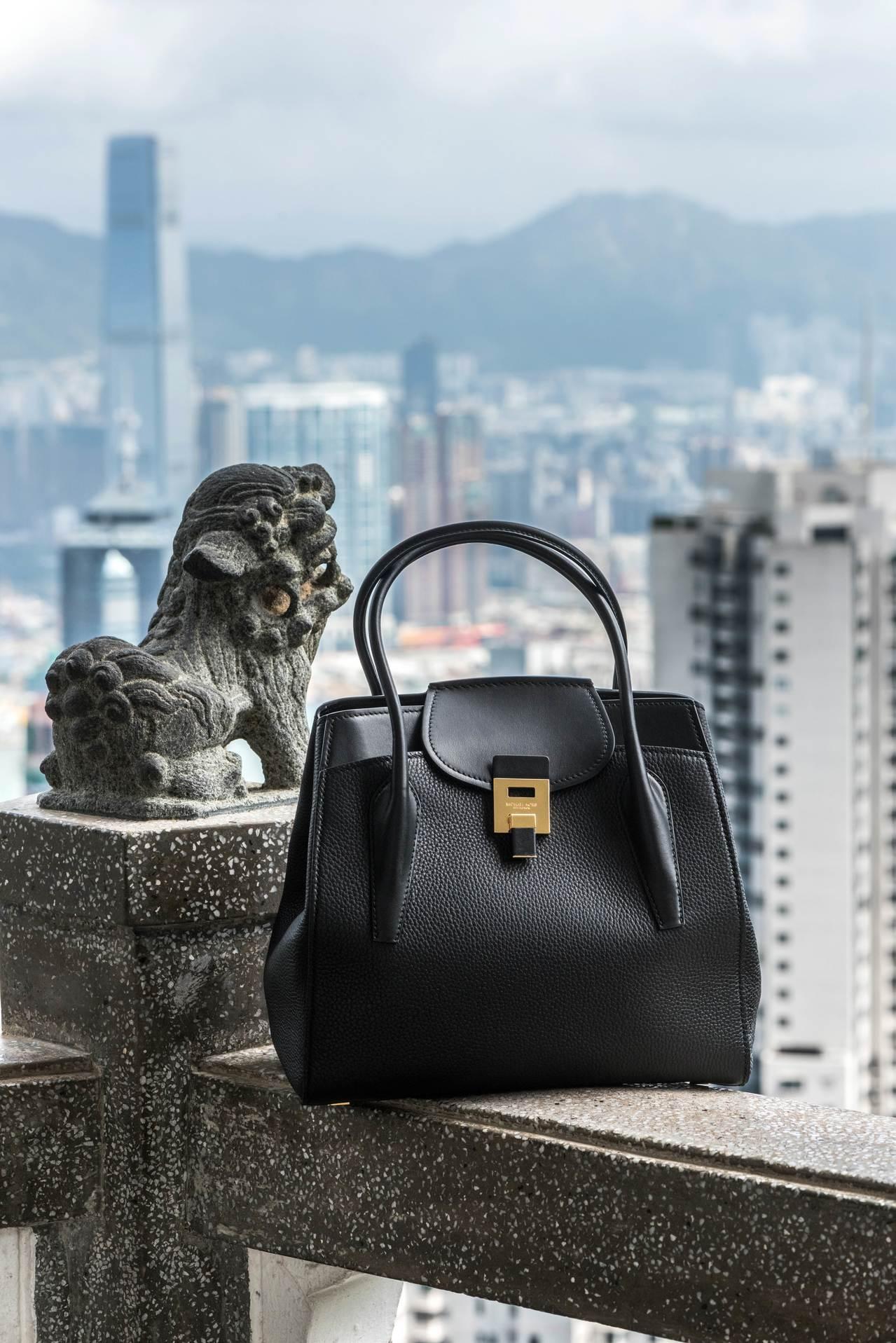 MK Collection全新Bancroft包在戴尚安的作品中表現出香港獨有的...