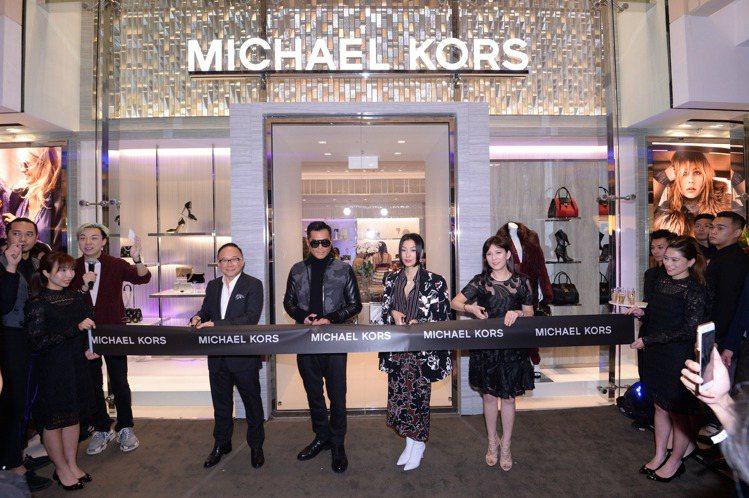 MK香港九龍圓方店日前開幕,為香港唯一設有男裝櫃位的據點。圖/MICHAEL K...