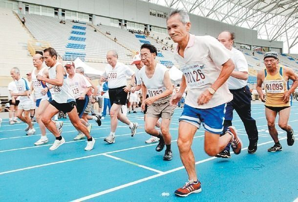 台灣面臨高齡化,長照政策成為社會關注議題。本報資料照片