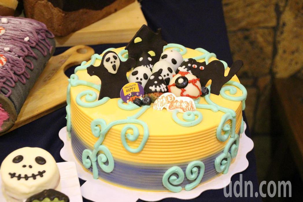萬聖節造型生日蛋糕,美德糕餅鋪烘焙執行長鍾芯誼以童趣可愛方式設計,讓過去不喜「鬼...
