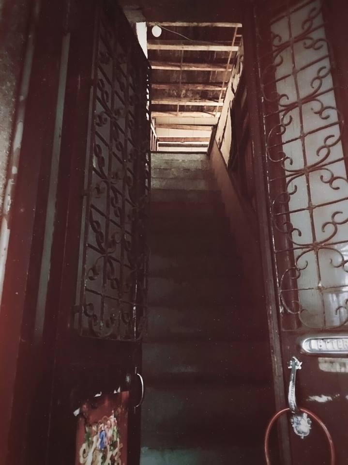 浮光書店保留著老屋的鑄鐵門飾與磨石子樓梯。圖/摘自浮光書店臉書