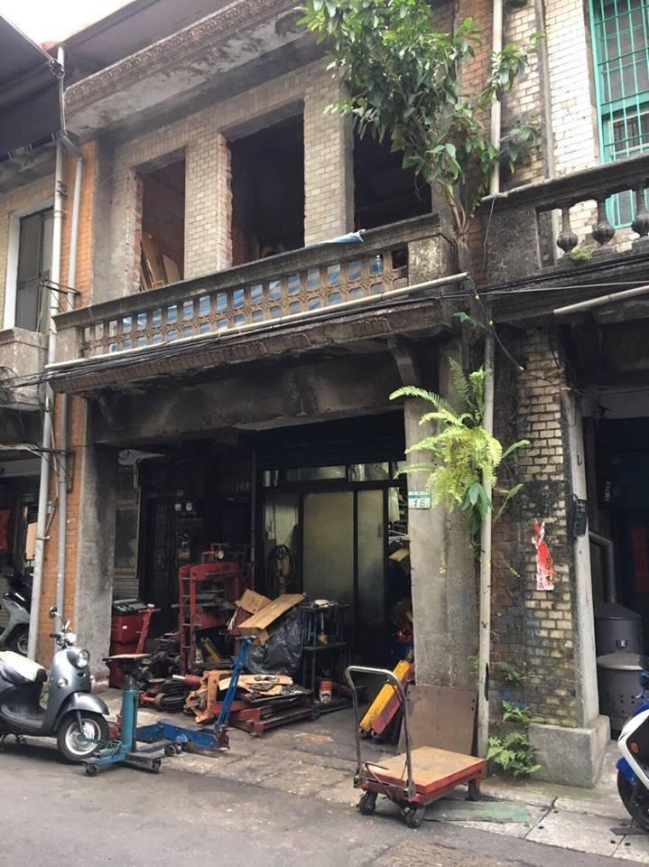 浮光書店的前身是一棟有七十年歷史的老屋。圖/摘自浮光書店臉書