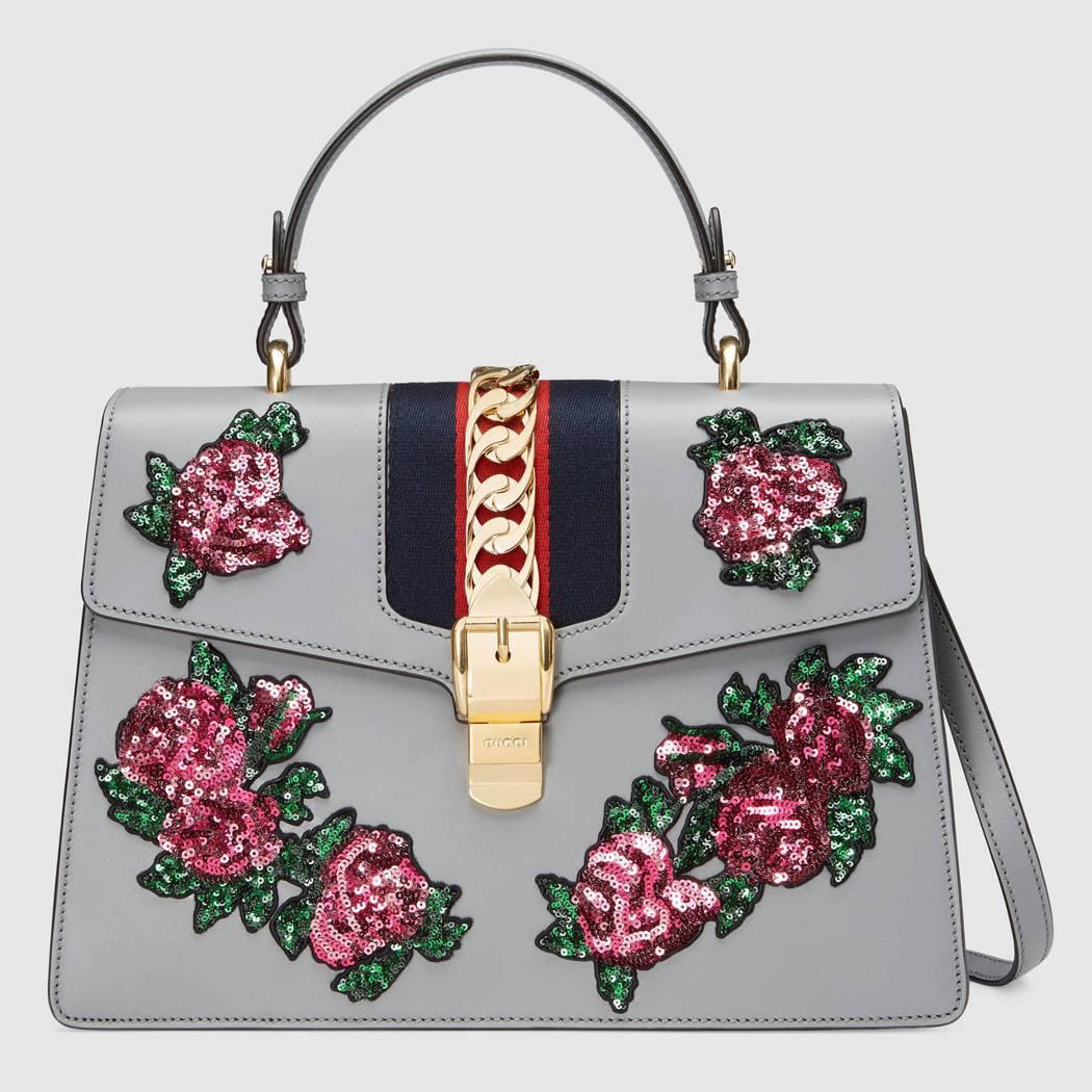 Sylvie 亮片花卉刺繡提包,12萬0,100元。圖/古馳提供