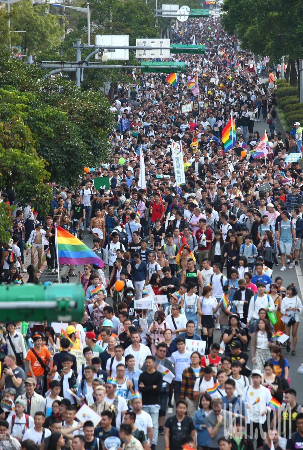 台北同志大遊行參與人潮。記者王騰毅/攝影