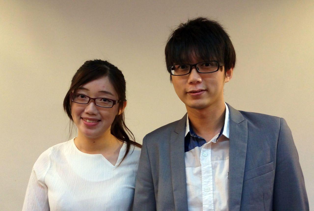 諮商心理師胡瑋婷(左)與罹患白斑症的夫婿合影。記者趙容萱/攝影