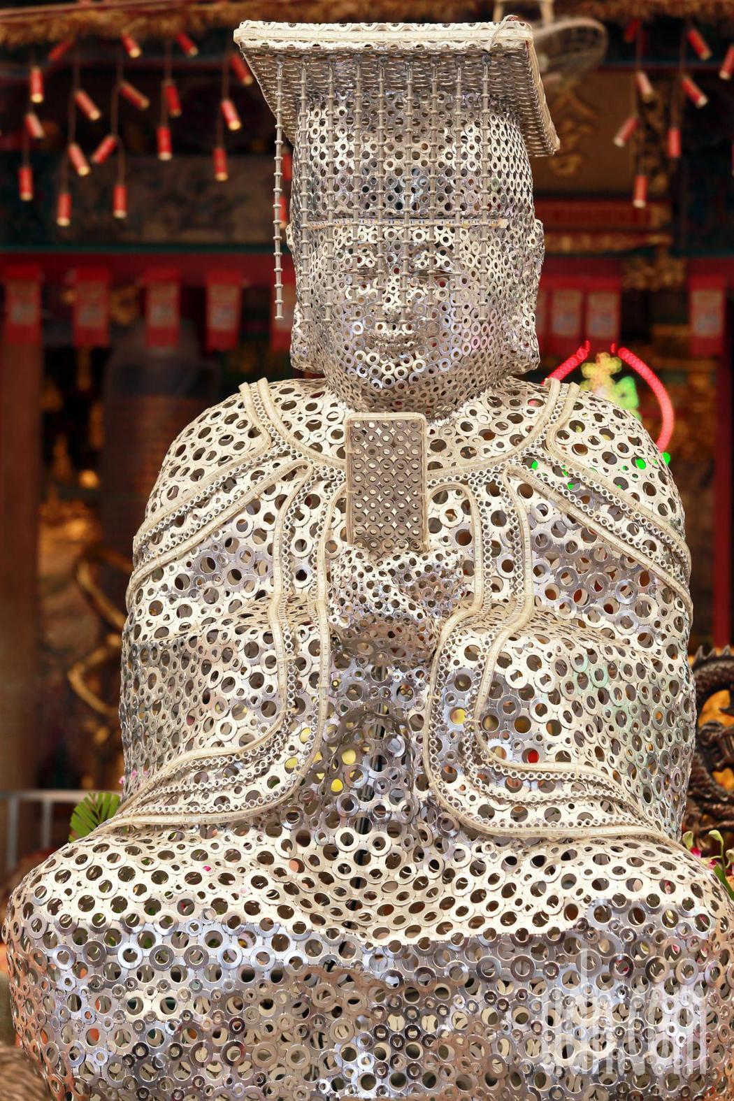 全球唯一擁有螺絲媽祖的岡山壽天宮,十分有特色。記者劉學聖/攝影