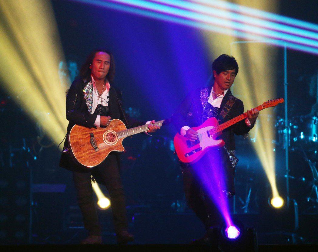 動力火車在台北小巨蛋舉辦出道20周年演唱會。記者陳瑞源/攝影