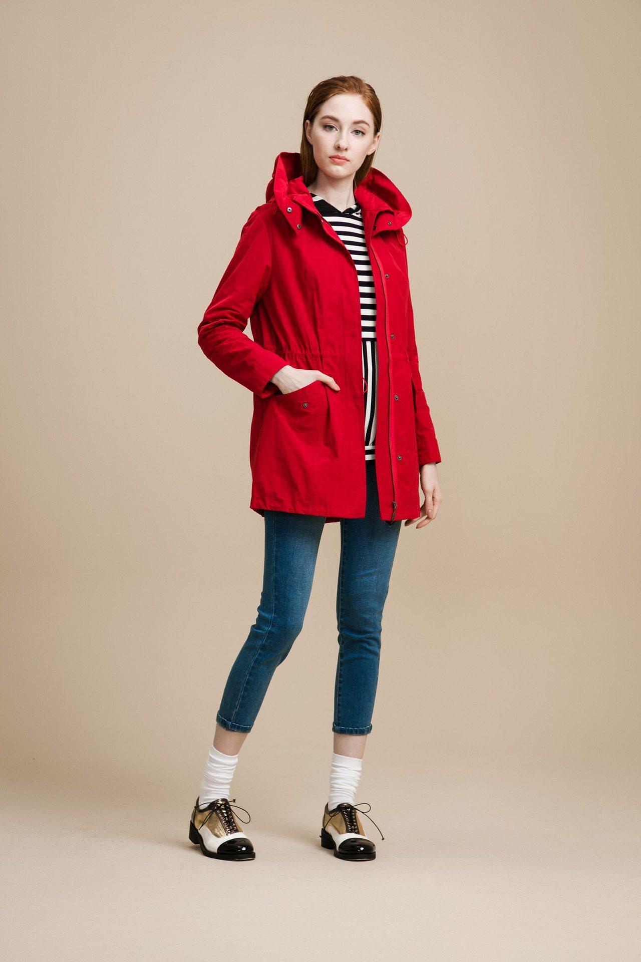 輕薄時尚風衣,售價6,980元。圖/KeyWear提供