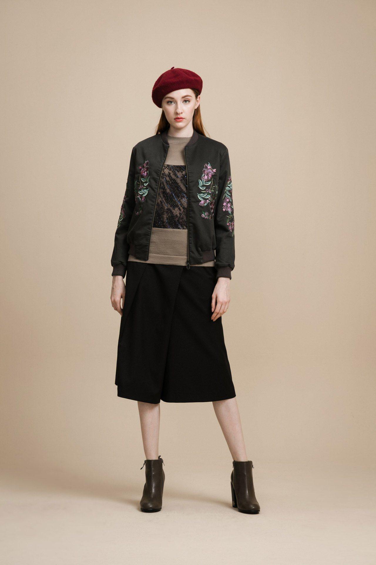 頂級繡花外套,售價6,980元。圖/KeyWear提供