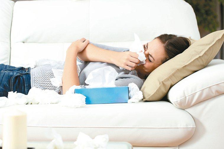民眾一旦感冒,最常見的症狀是咳嗽、流鼻涕,咳痰和鼻涕是感冒後最大困擾。
