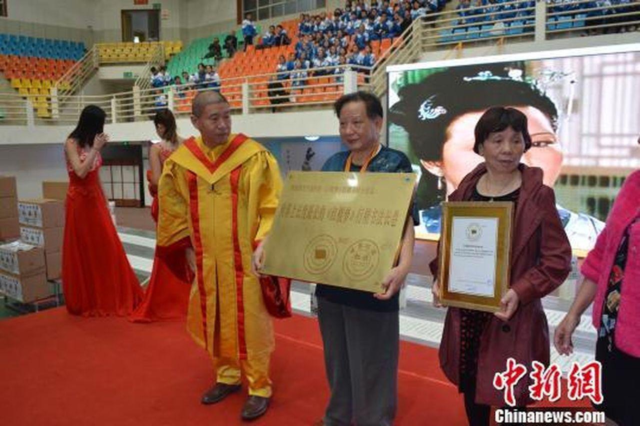 74歲老人書寫《紅樓夢》行楷書法長卷 創世界紀錄