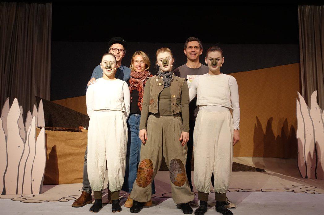 瑞典大道劇團表演「Guji Guji」,深獲大家喜愛。記者金春香/攝影