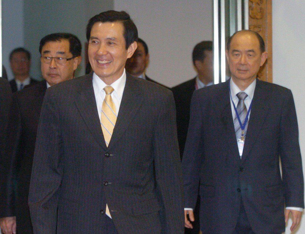 2010年馬英九總統(左二)展開「太誼之旅」,率團啟程前往我國南太平洋友邦訪問。...