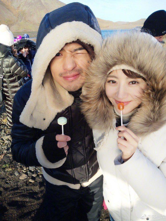 陳柏霖(左)、景甜(右)合作新劇「火王之破曉之戰」。圖/摘自微博