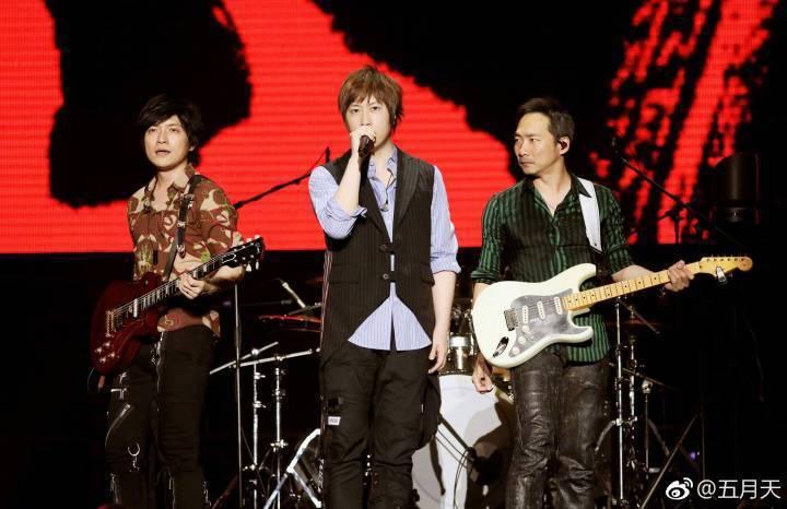 五月天昨在馬來西亞開唱。圖/摘自五月天微博