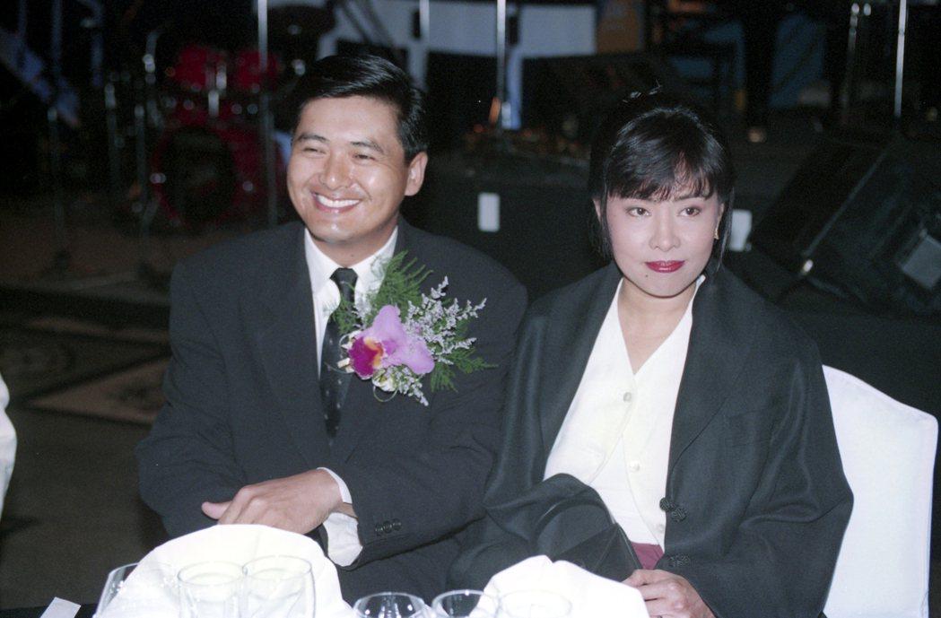 周潤發(左)與太太陳薈蓮。報系資料照片