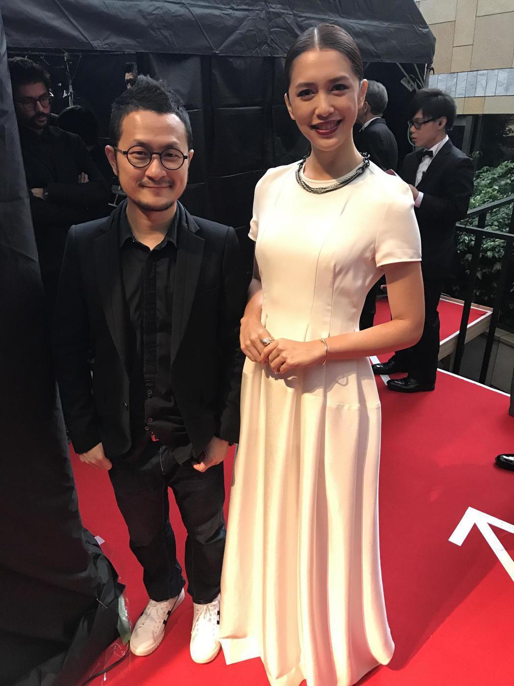 導演九把刀(左)與劉奕兒出席東京影展紅毯。圖/群星瑞智提供