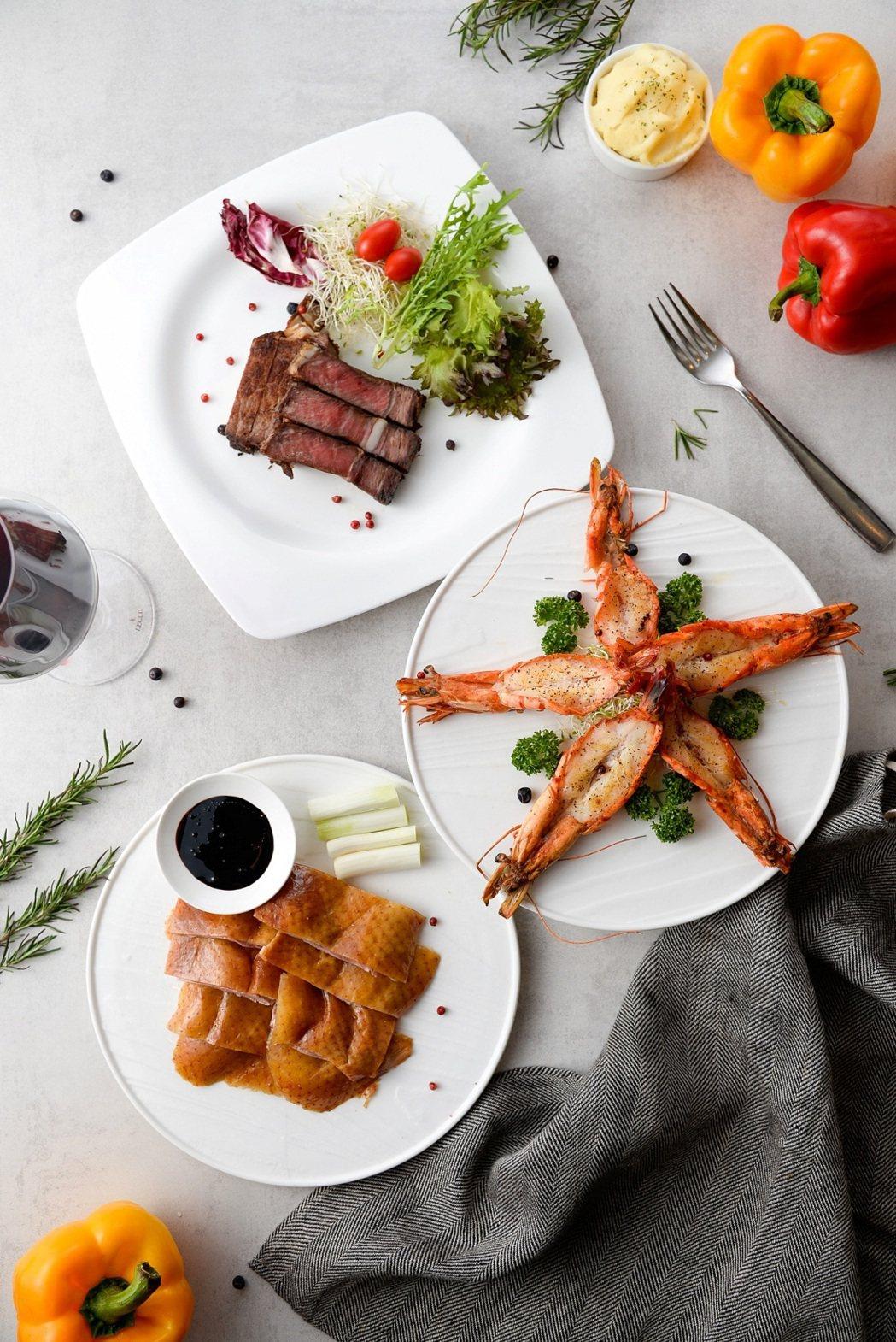 餐廳鐵板區全面升級,推出蝴蝶蝦、沙朗牛排吃到飽。圖/高雄國賓提供