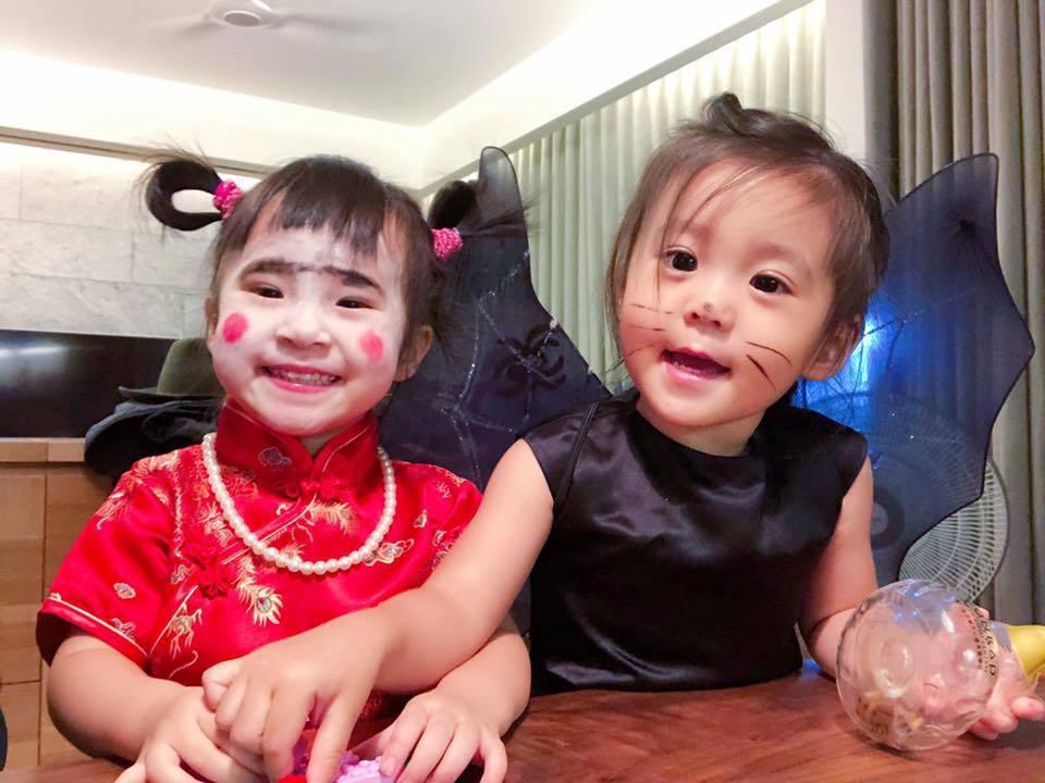 Mia(左)萬聖節裝扮嚇哭咘咘。圖/摘自臉書