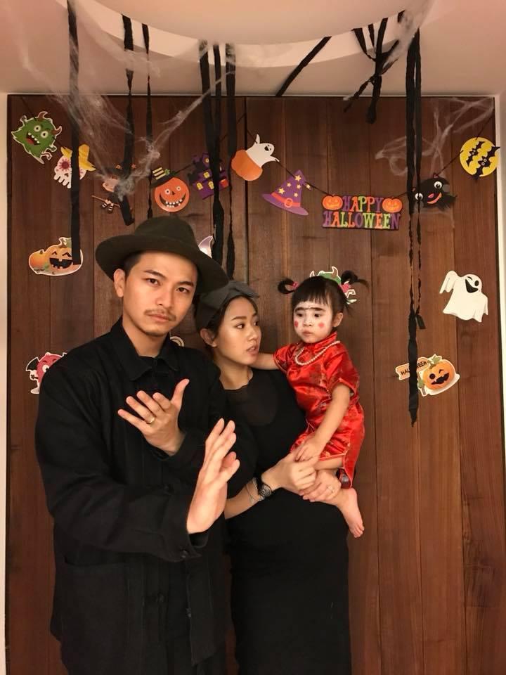 楊銘威(左起)、方志友、Mia一家人參加萬聖節派對。圖/摘自臉書