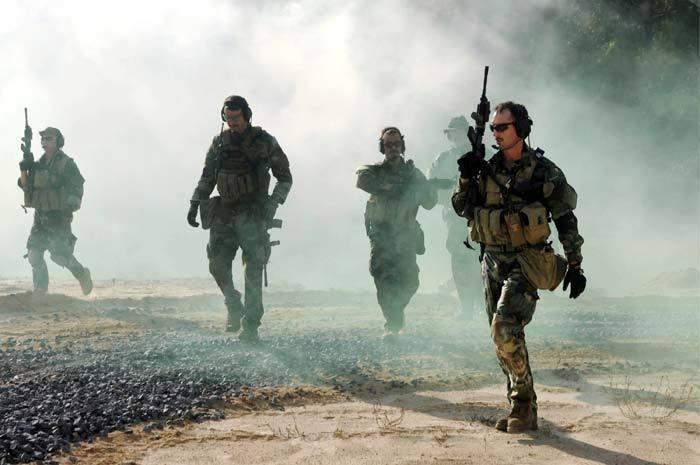 美國海軍海豹突擊隊第六分隊的成員在葉門和索馬利亞等國進行突擊。 美聯社
