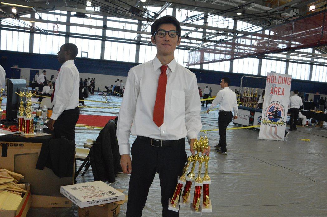 華裔新移民教跆拳道 向學生學英語融入美國社會