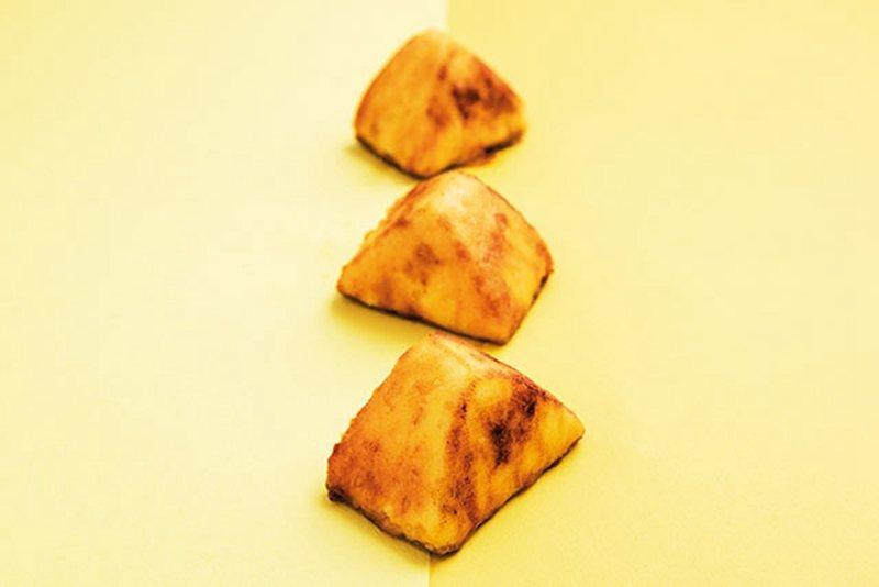 スイートポテト(甜馬鈴薯)¥300/恰到好處的大小,邊走邊吃也很適合!